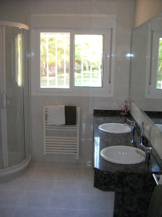 Property details for Bathroom design 2m x 2m